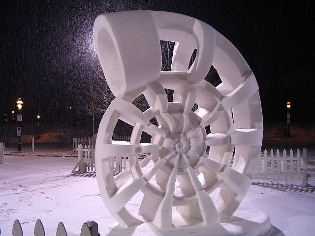 sculpture neige snow shell
