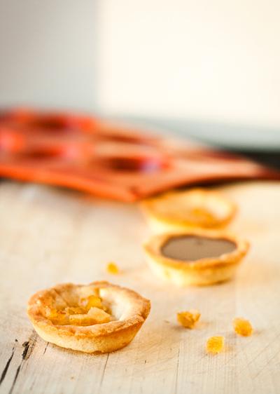 Tartelette au chocolat et écorces d'oranges confites